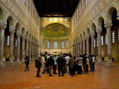 Basilica di Sant'Apollinare in Classe, veduta interno