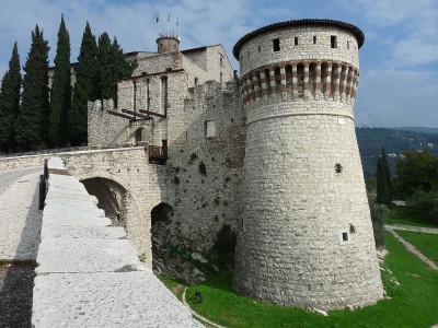 CC BY Di Allan Parsons - Castello di Brescia, Torre dei Prigionieri 2, Brescia, CC BY 2.0, https://commons.wikimedia.org/w/index.php?curid=41344182