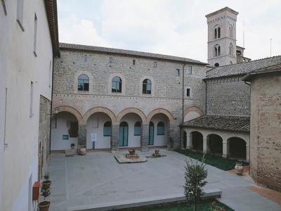 Museo regionale della Ceramica. Esterno ; jpg; 768 pixels; 768 pixels