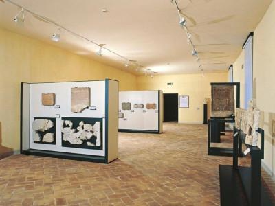 Sala espositiva, seconda sezione Giorgetti, Alessio/ Castignani, Sante; jpg; 768 pixels; 609 pixels