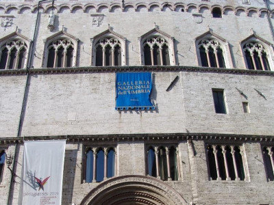Galleria Nazionale dell'Umbria. Facciata d'in Fratelli Alinari/ Tatge, George/ Castignani, Sante/ Soprintendenza ai beni a.a.as. dell'Umbria; jpg; 1536 pixels; 2048 pixels