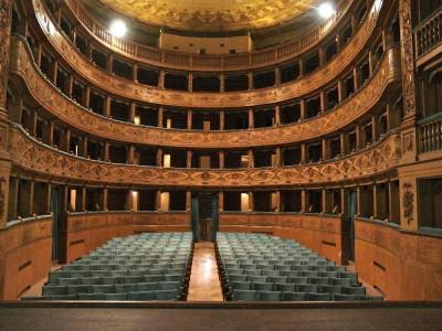 Teatro del Pavone. Interno. Veduta della sala Bovini, Mirko; jpg; 3264 pixels; 2448 pixels