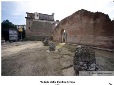 Veduta della Basilica Emilia
