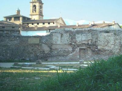 Immagine descrittiva - https://commons.wikimedia.org/wiki/User:Demuro