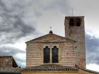 Immagine descrittiva - http://www.umbriaccessibile.com/citta-umbre/foligno/chiesa-di-santa-maria-infraportas/