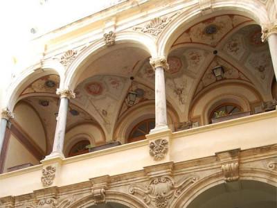 http://www.turismo.trapani.it/it/1469/palazzo-milo-baroni-della-salina.html