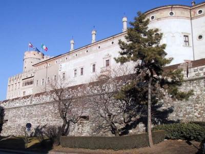 Immagine descrittiva - https://commons.wikimedia.org/wiki/User:Pollo~commonswiki