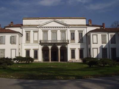 Immagine descrittiva - https://upload.wikimedia.org/wikipedia/commons/thumb/a/a6/Monza_Mirabello_207.jpg/800px-Monza_Mirabello_207.jpg