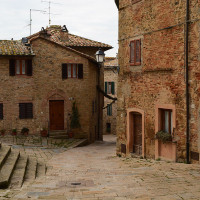 Monticchiello is a fraction of Pienza, a typical Medieval village immersed in Sienese countryside of Val d'Orcia. To visit: Church of Saints Leonardo and Cristoforo, in Romanesque-Gothic style, the ancient castle of the village, Parish...