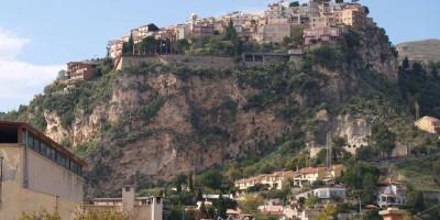 Castelmola vista da Taormina