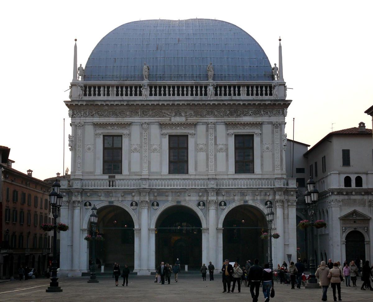 Palazzo della loggia brescia for Comune di brescia sportello immigrati nuovo elenco