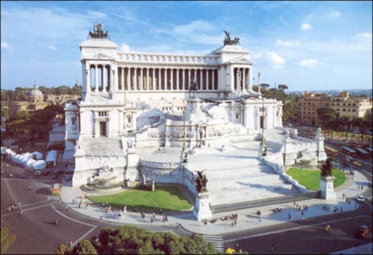 Monumento a vittorio emanuele ii vittoriano viaggiart for Roma parlamento