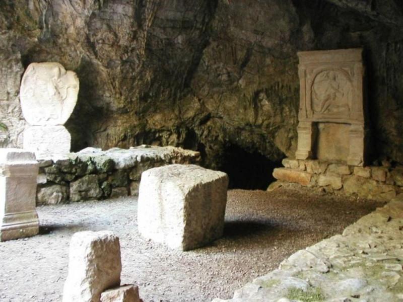 Grotta del Mitreo presso Duino Aurisina