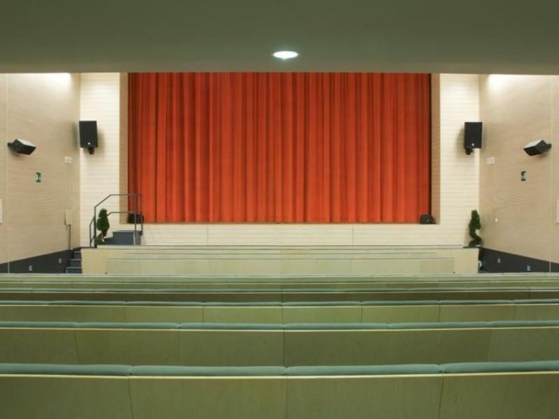 Medolla, Teatro Comunale Weber Facchini
