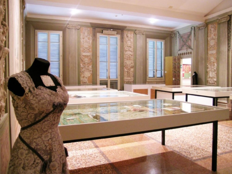 """Bologna, Museo della Tappezzeria """"Vittorio Zironi"""""""