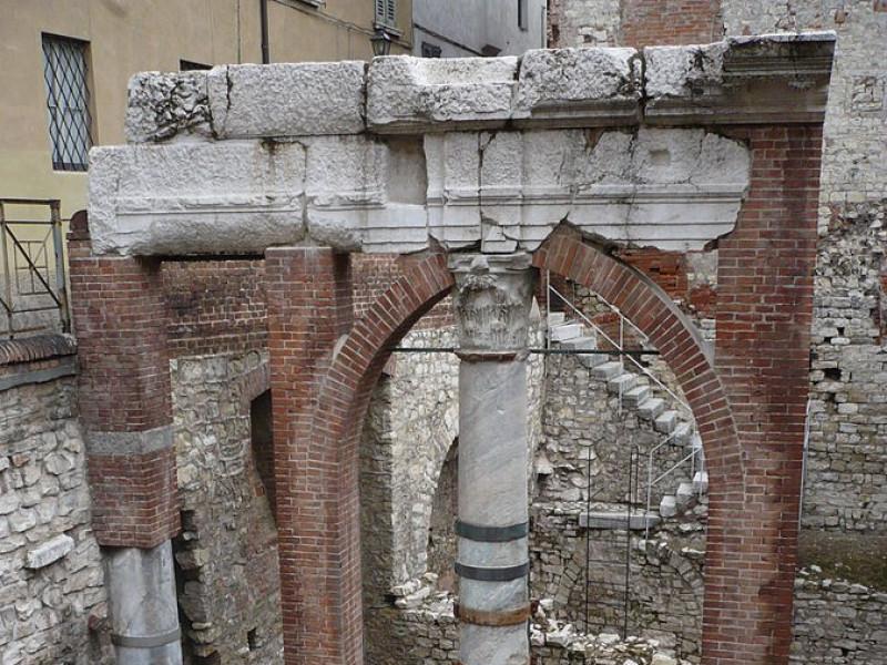 Unica colonna del porticato