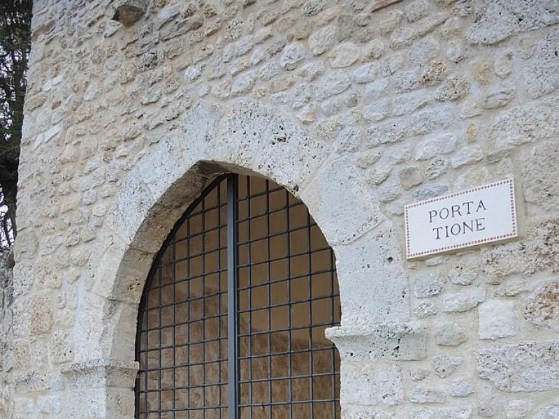 Porta Tione