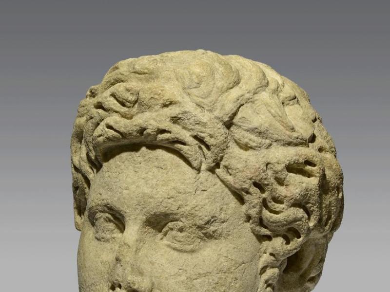 Testa-ritratto maschile, marmo bianco,  fine  II secolo d.C