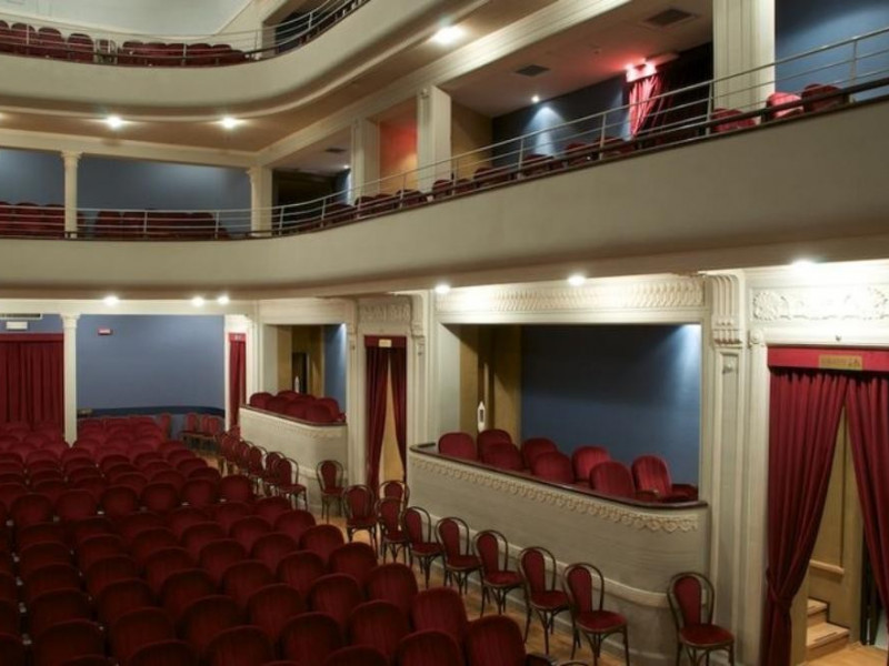 Copparo, Teatro De Micheli