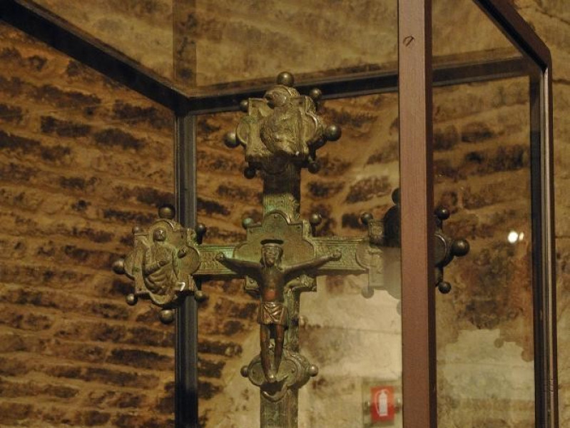 Croce astile. Bottega umbra. Sec. XV sec. met Fedeli, Marcello; jpg; 1417 pixels; 2126 pixels