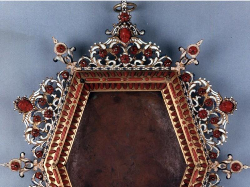 Cornice di specchio in corallo e argento-Manifattura di Trapani, secol