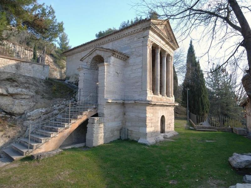 Chiesa di S. Salvatore. IV-V sec. d.C. Estern Fedeli, Marcello; jpg; 2126 pixels; 1417 pixels