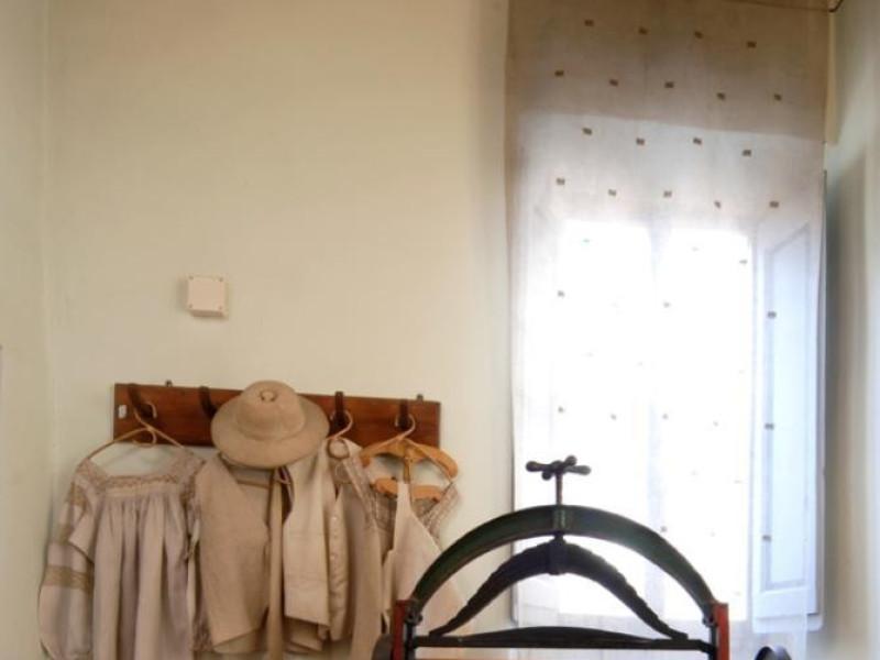 Interno. Sala espositiva Bovini, Mirko; jpg; 622 pixels; 929 pixels