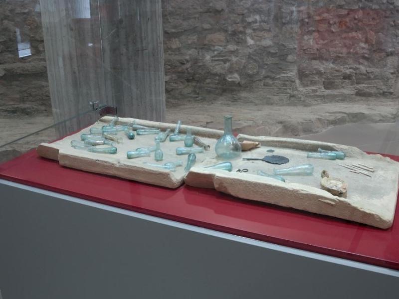 Antiquarium. Sala espositiva. Reperti archeol Fedeli, Marcello; jpg; 2126 pixels; 1417 pixels