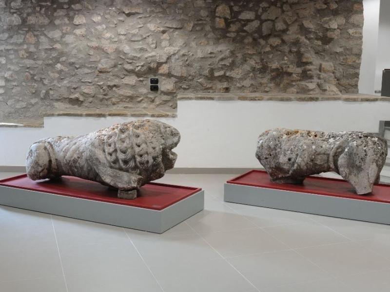 Leoni. Arte etrusca III sec. a.C. Fedeli, Marcello; jpg; 2126 pixels; 1417 pixels