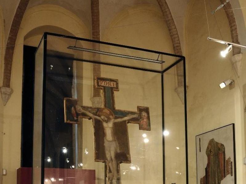 Chiesa-museo di S. Francesco. Interno. Presbi Fedeli, Marcello; jpg; 1417 pixels; 2126 pixels