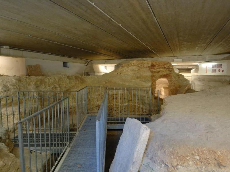 Scavi.Necropoli etrusca di Strozzacapponi. Fedeli, Marcello; jpg; 2126 pixels; 1417 pixels