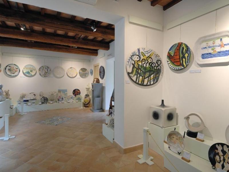 Fondazione ceramica contemporanea d'autore Al Fedeli, Marcello; jpg; 2126 pixels; 1417 pixels