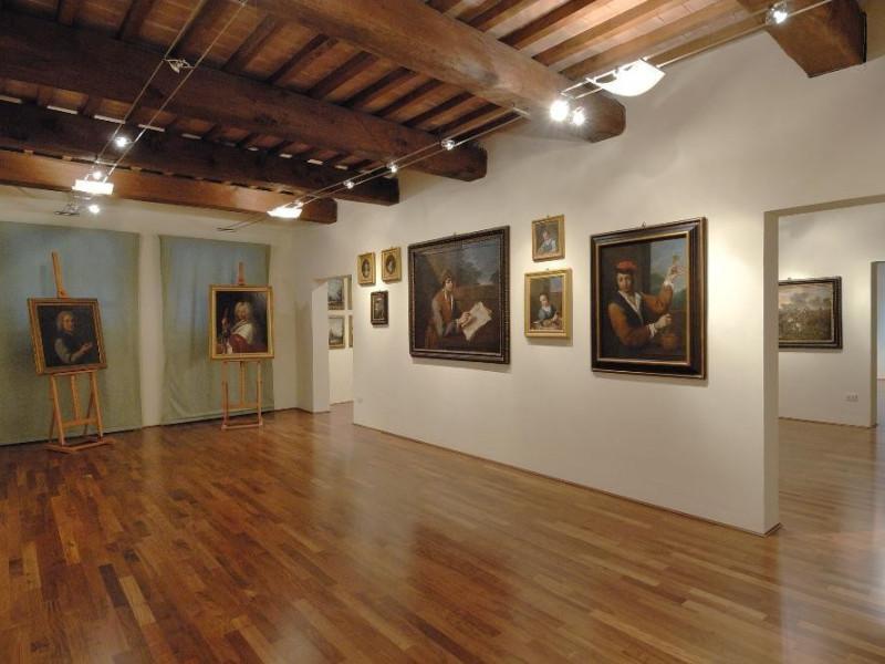 Pinacoteca Comunale. Sala espositiva jpg; 2126 pixels; 1417 pixels