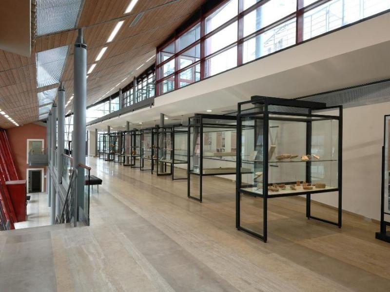 Museo Archeologico Colfiorito (MAC). Sala esp Fedeli, Marcello; jpg; 2126 pixels; 1417 pixels