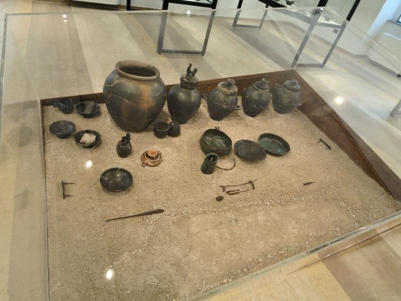 Reperti archeologici. Vi-V sec. a.C. Fedeli, Marcello; jpg; 2126 pixels; 1417 pixels