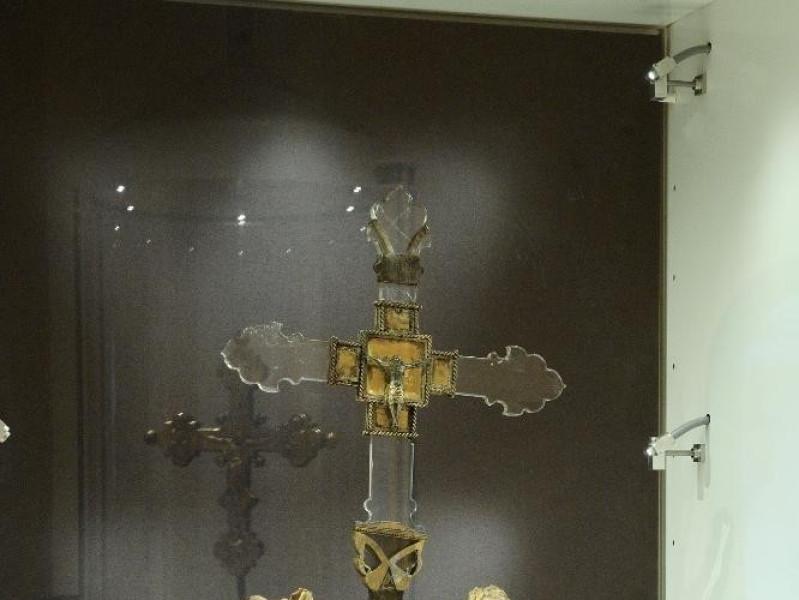 Reliquiario della croce. Sec. XVII Fedeli, Marcello; jpg; 1417 pixels; 2126 pixels