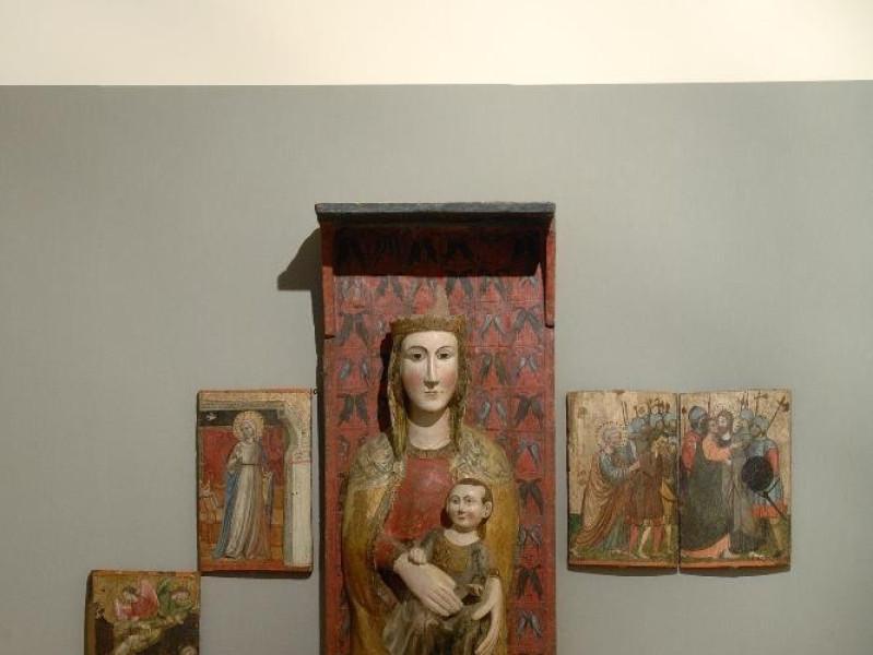 Rilievo. Madonna con Gesù Bambino, sec. XIII Fedeli, Marcello; jpg; 1417 pixels; 2126 pixels