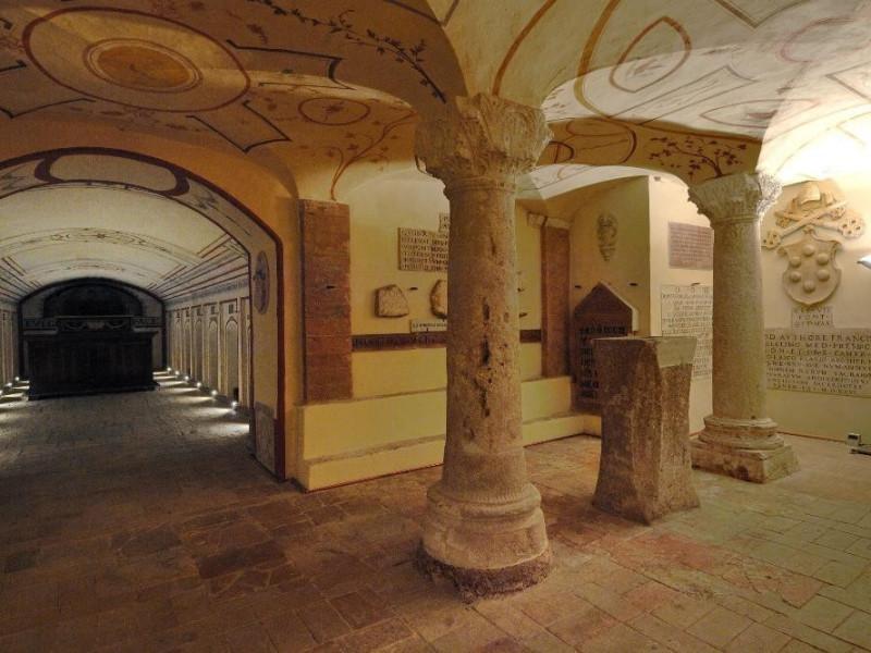 Cripta. Fedeli, Marcello; jpg; 2126 pixels; 1417 pixels