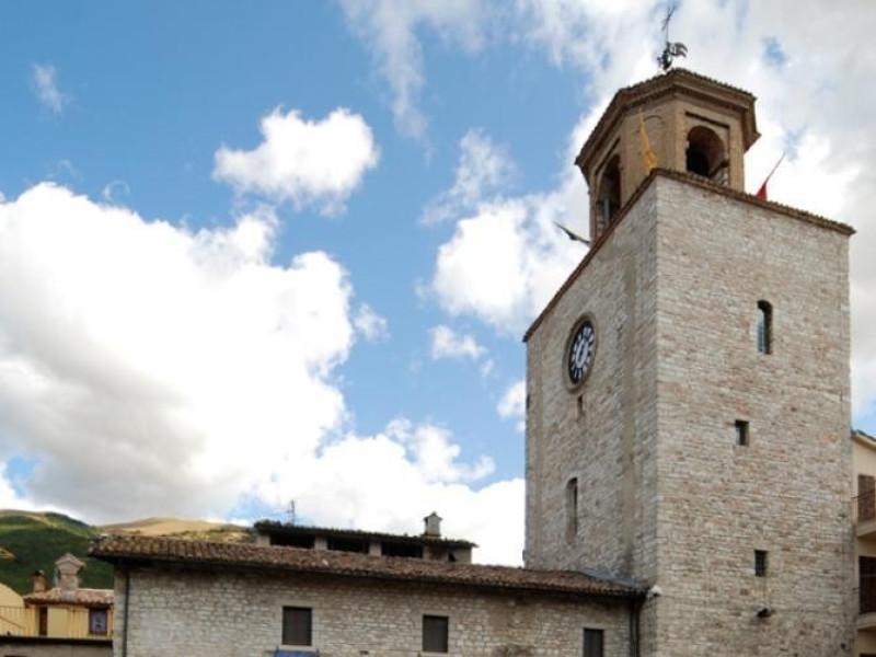 Palazzo del Podestà e torre civica, sede del  Bellu, Sandro; jpg; 622 pixels; 929 pixels
