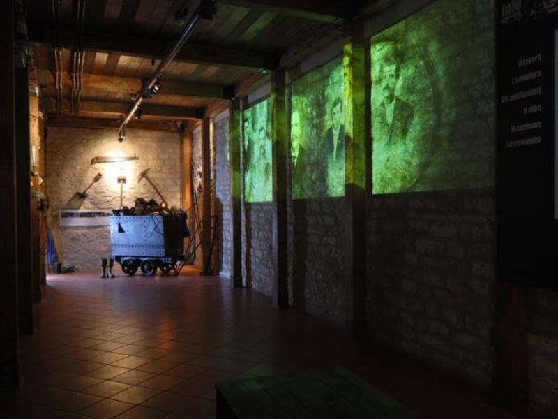 Sala espositiva, piano terra Bellu, Sandro; jpg; 929 pixels; 622 pixels
