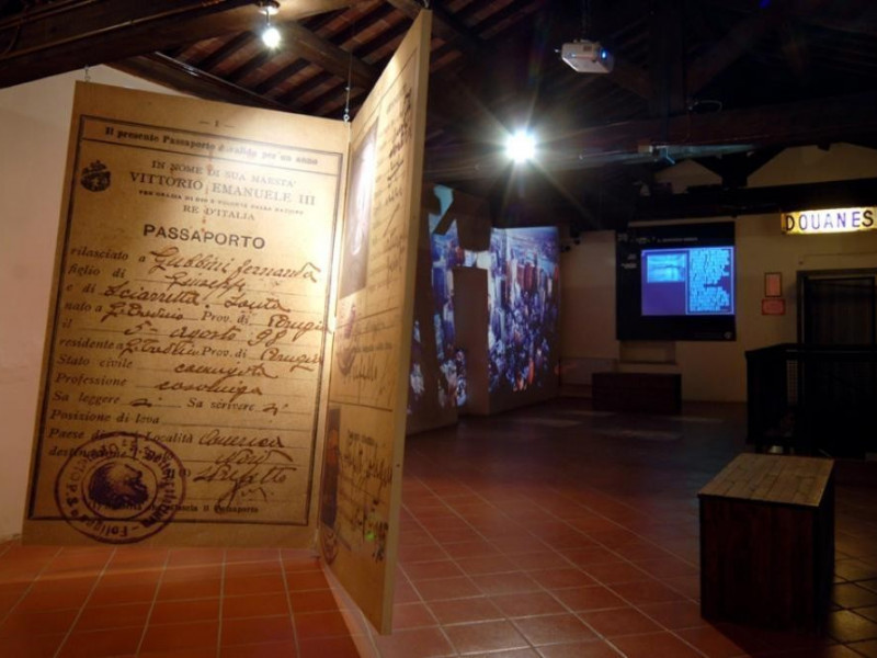 Sala espositiva, 2° piano Bellu, Sandro; jpg; 929 pixels; 622 pixels