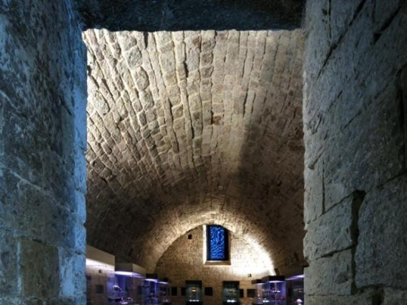 Sala del Capitolo dei canonici Bellu, Sandro; jpg; 622 pixels; 929 pixels