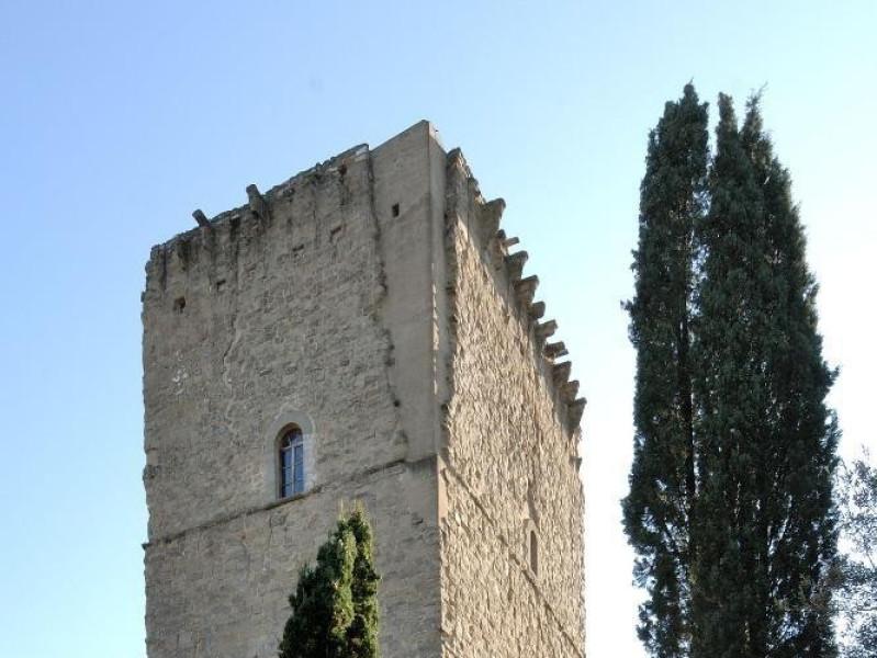 Torre dei Lambardi. Veduta esterna Fedeli, Marcello; jpg; 1417 pixels; 2126 pixels