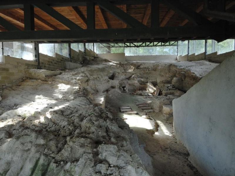 Catacomba di Villa S. Faustino. Scavo archeol Fedeli, Marcello; jpg; 2126 pixels; 1417 pixels
