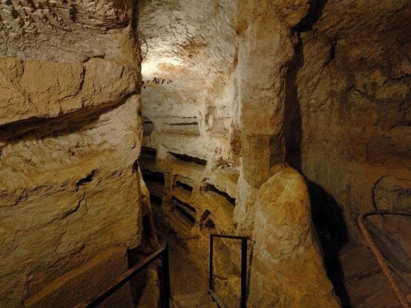 Catacomba di Villa S. Faustino.Scavo archeol Fedeli, Marcello; jpg; 2126 pixels; 1417 pixels