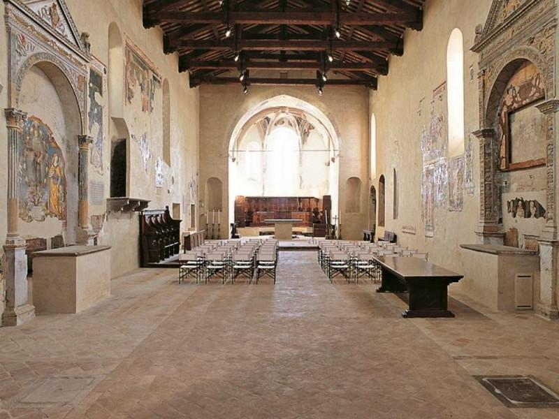 Chiesa di San Francesco, interno Bellu, Sandro/ Castignani, Sante; jpg; 768 pixels; 768 pixels
