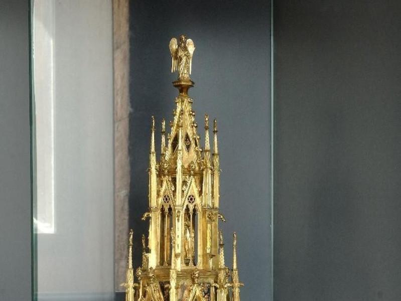 Reliquiario architettonico. Ugolino di Vieri  ; jpg; 1417 pixels; 2126 pixels