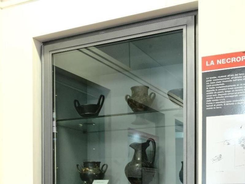 Mostra archeologica permanente presso il crip Fedeli, Marcello; jpg; 1417 pixels; 2126 pixels
