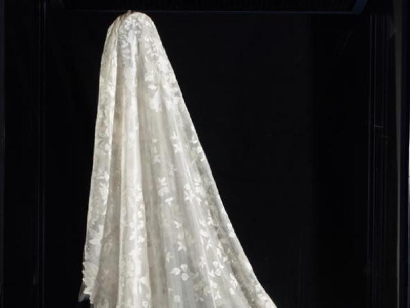 Ars Panicalensis. Velo da sposa Bellu, Sandro; jpg; 582 pixels; 980 pixels