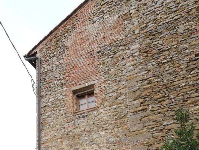 Chiesa della Madonna della Sbarra. Facciata. Fedeli, Marcello; jpg; 1417 pixels; 2126 pixels